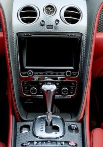 Auto dashboard rood interieur